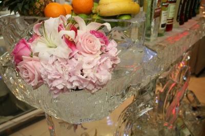 Suport flori din gheata